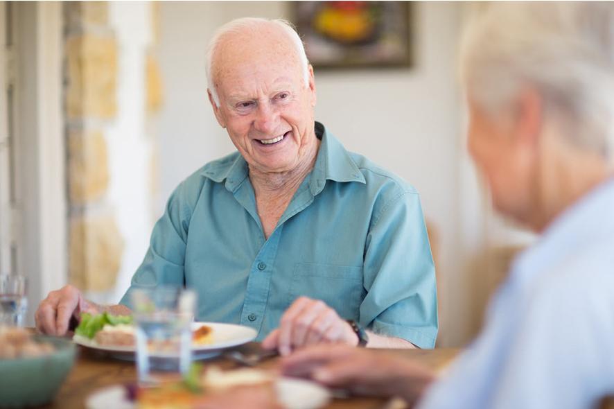 alimentazione degli anziani in casa di riposo